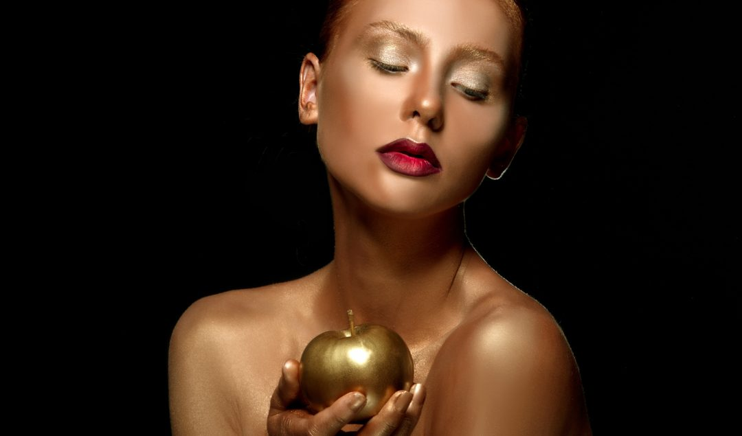 Enjoy the anti-aging benefits of Gold, infused into Cocoàge Cosmetics' line of products.